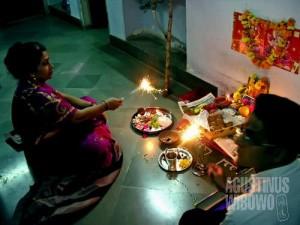 Diwali Puja, untuk mendapatkan berkah di tahun baru. (AGUSTINUS WIBOWO)