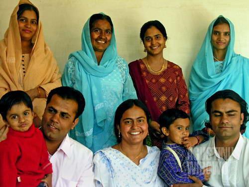 Keluarga Aman di hari Eid. (AGUSTINUS WIBOWO)