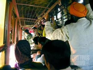 Di dalam bus India (AGUSTINUS WIBOWO)