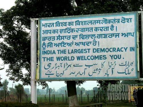 Selamat datang di demokrasi terbesar di dunia (AGUSTINUS WIBOWO)