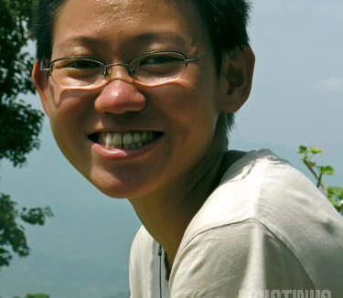 Lam Li, si gadis Malaysia penghuni Freak Street, pernah membotaki rambutnya untuk menyamar jadi bikuni di Tibet. (AGUSTINUS WIBOWO)