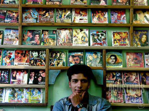 Film India mendominasi persewaan VCD di Pakistan (AGUSTINUS WIBOWO)