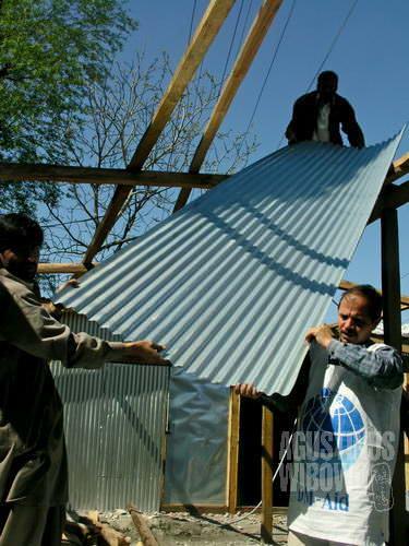 Membangun kembali rumah baru, harapan baru (AGUSTINUS WIBOWO)