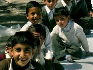 Bocah-bocah sekolah ikut menghadiri majlis  (AGUSTINUS WIBOWO)