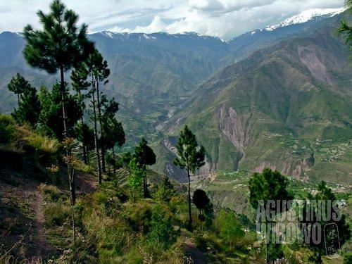 Gunung-gunung Kashmir yang megah (AGUSTINUS WIBOWO)