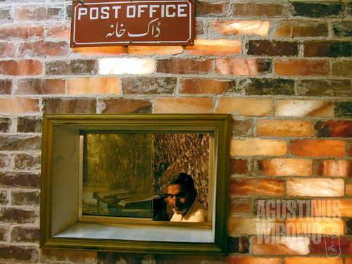 Bahkan kantor pos pun dari garam (AGUSTINUS WIBOWO)