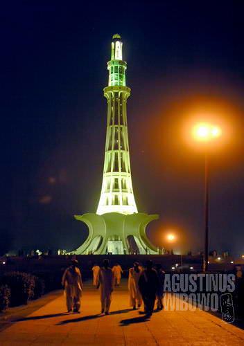 Menara Pakistan (AGUSTINUS WIBOWO)