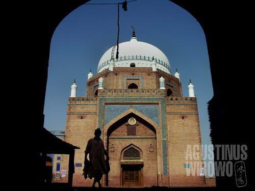 Makam Bahauddin Zakariya (AGUSTINUS WIBOWO)