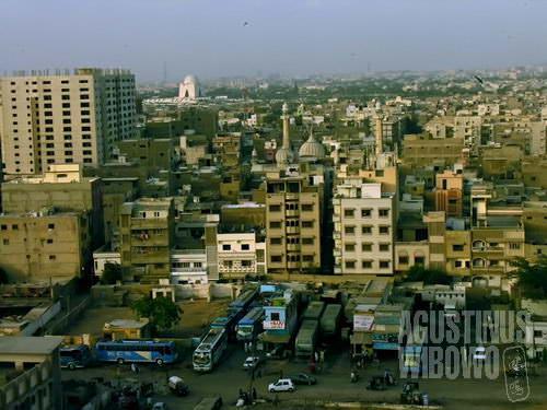 Pemandangan pusat kota Karachi (AGUSTINUS WIBOWO)