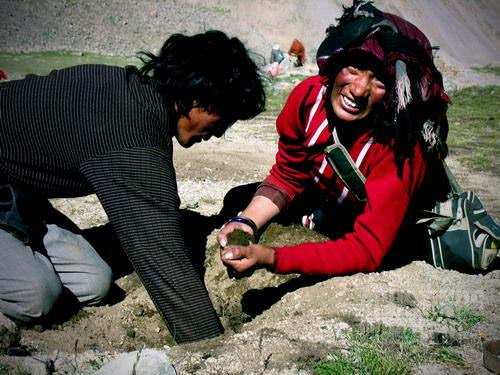 Meninggalkan rambut ayah bunda di Shiwa Tal (AGUSTINUS WIBOWO)