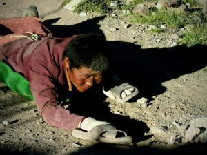 Merayap mengitari Kailash. (AGUSTINUS WIBOWO)