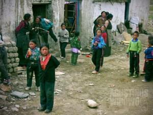 Sebuah desa tertinggal, dihuni oleh mayoritas penduduk etnis Tibet. (AGUSTINUS WIBOWO)